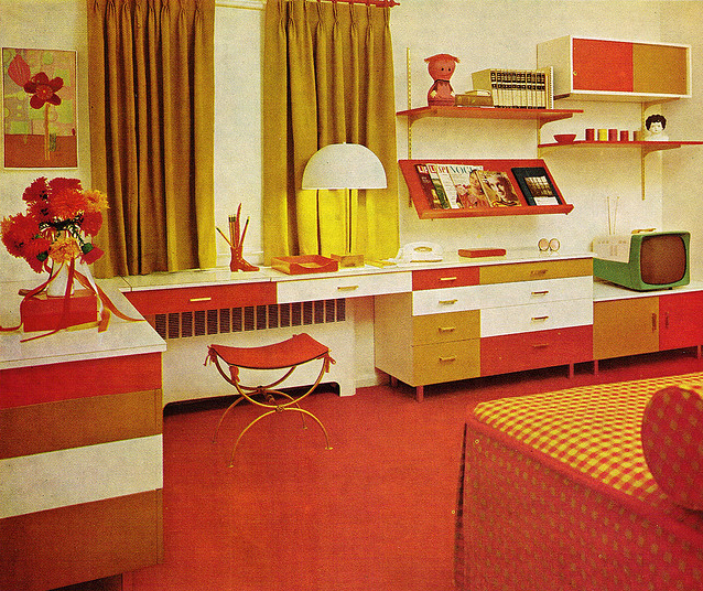 Atompunk interior design aka 70s shagadelicness baby for Apartment design retro